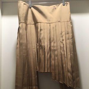 Asymmetrical hem Gold skirt